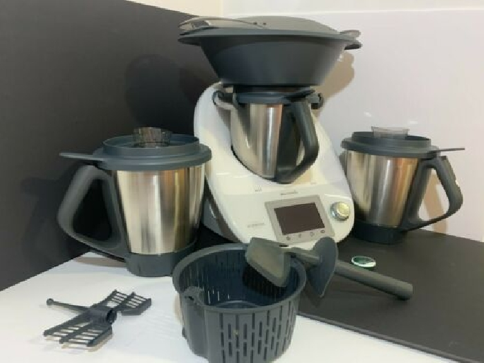 VORWERK THERMOMIX TM5 with 3 bowls