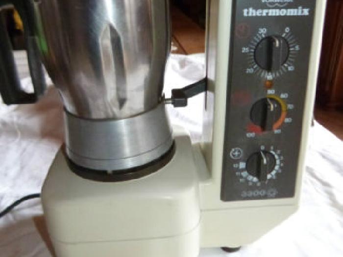 vorwerk thermomix 3300 robot de cuisson chauffant momix. Black Bedroom Furniture Sets. Home Design Ideas